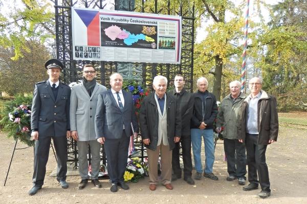 2018-10-20-setkani-na-ruzovem-paloucku-14368912F70-7F30-3C08-337C-E93A8011C586.jpg