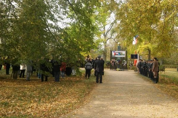 2018-10-20-setkani-na-ruzovem-paloucku-07704A050DD-0701-A89E-D3AA-6B808CD8613E.jpg